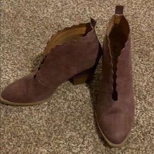 Qupid booties mauve color